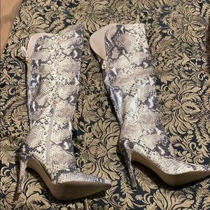 Guess over knee snake skin boots